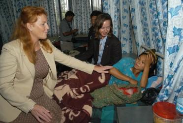 Duchess of York at Maternity Hospital, Kathmandu (photo credit: DFID)