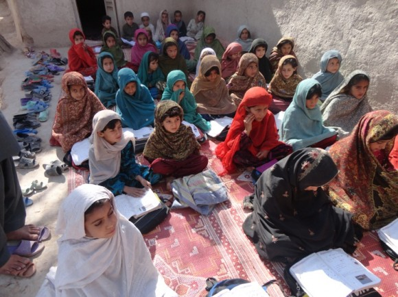 Afghan girls in an outdoor lesson