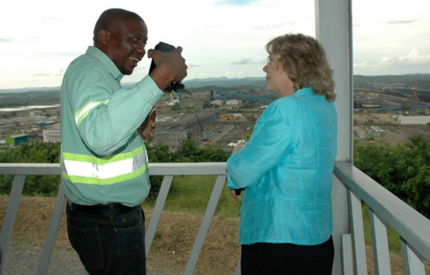 Baroness Northover discusses sustainable mining with Enoque Vicente, Sustainability Manager at Vale. Picture: Sophie Newman/DFID