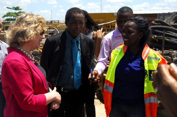 Baroness Northover meets Ana Quitela at the Stefanutti Stocks Construction School in Zimpeto, Maputo. Picture: Tomas Cumbana