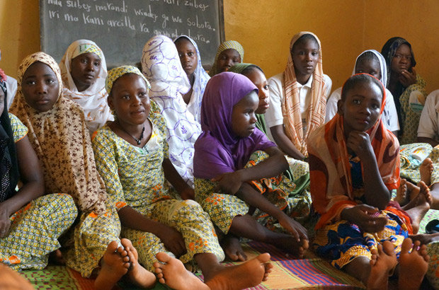 Girls participate in a mentoring session in Niamey, part of the Action for Adolescent Girls initiative, in June 2014. Picture: UNFPA/Satvika Chalasani